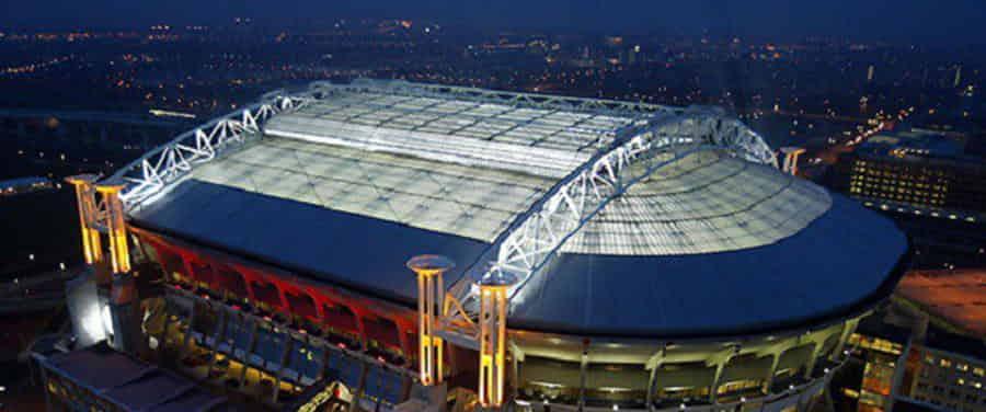 El Ajax pondrá paneles solares en el techo de su estadio
