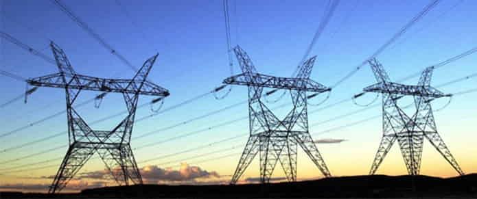Las grandes eléctricas amenazan a las renovables