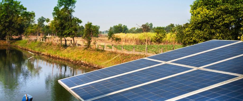 Cuántas placas solares necesito para una bomba de agua