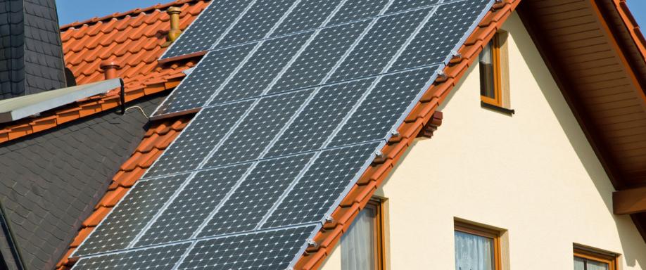 Cuántas placas solares necesito para una casa