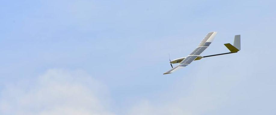 Drones con placas solares para los campos australianos