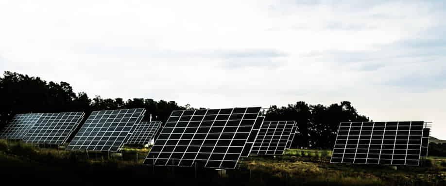 La energía solar encabeza la transición energética en España