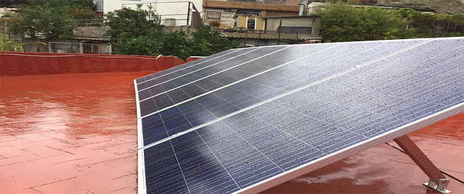 Instalaci n de kit solar fotovoltaico para vivienda for Placas solares barcelona