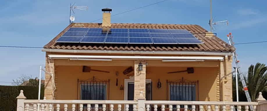 Instalación fotovoltaica en Alicante con inversor Fronius