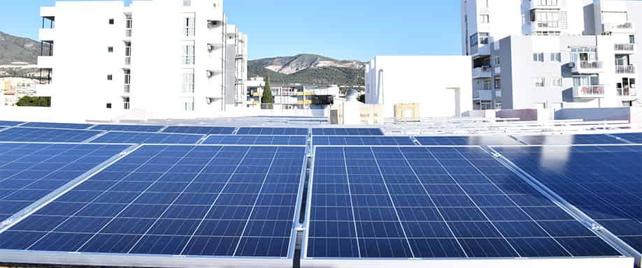 Orientación del tejado e instalación de las placas solares