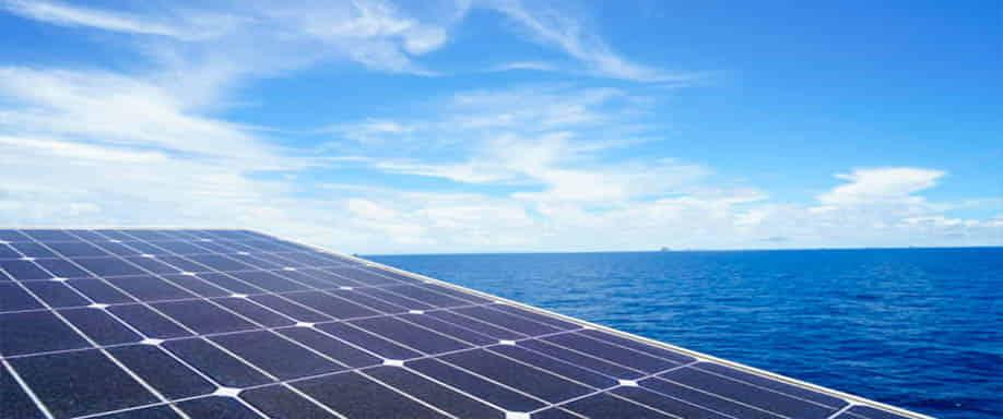 'Solar-at-Sea', la primera planta fotovoltaica flotante en el mar en Holanda