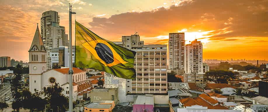 Las minas de Brasil tendrán un tren eléctrico cuyas oficinas funcionarán con energía solar