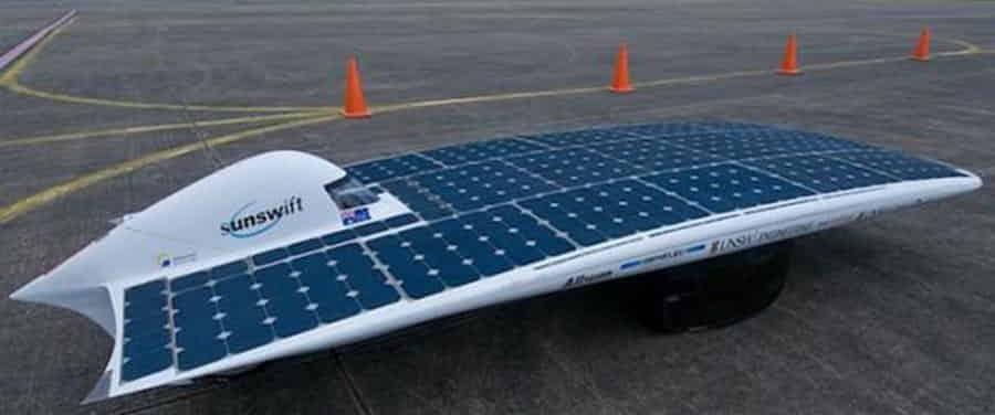 El primer vehículo con energía solar